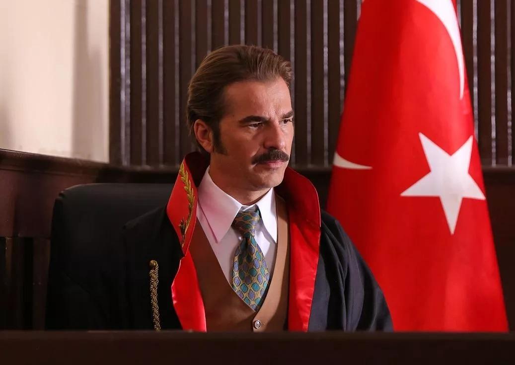 """Engin Altan Düzyatan'ın Yeni Rolü """"Savcı"""""""