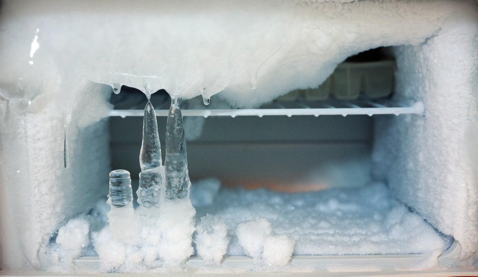 Dondurucunun Buz Tutması Nasıl Engellenir?