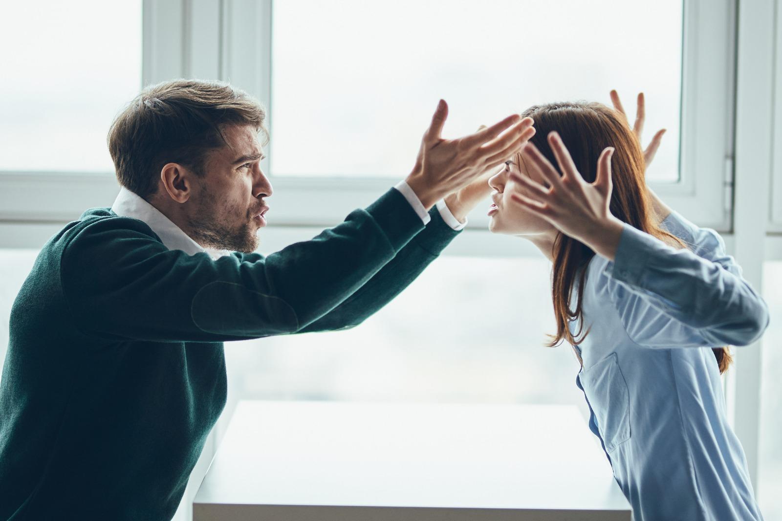 Konuşurken En Sık Yapılan İletişim Hataları