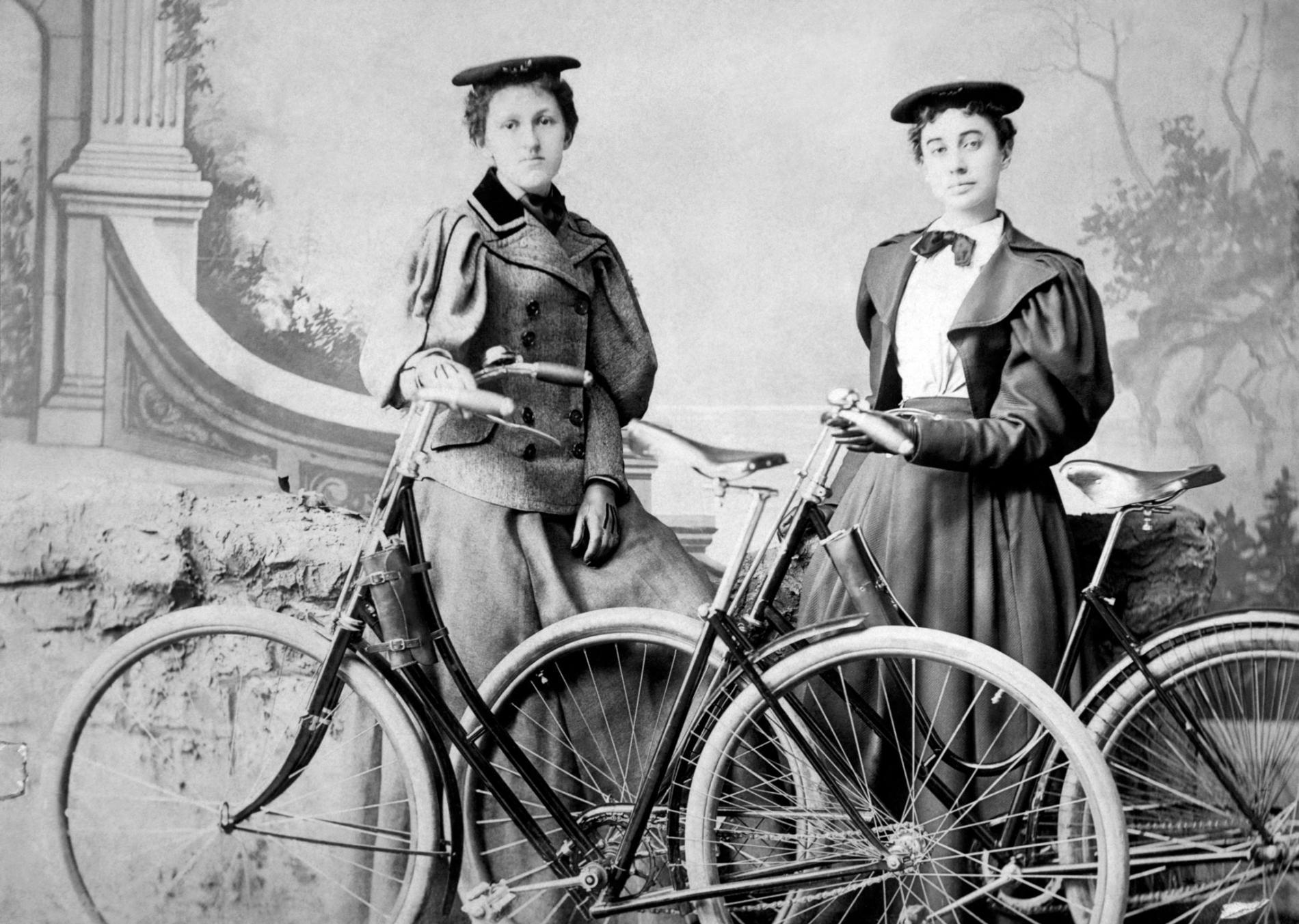 New York'ta Bisiklet Süren Kadınlara 41 Kural