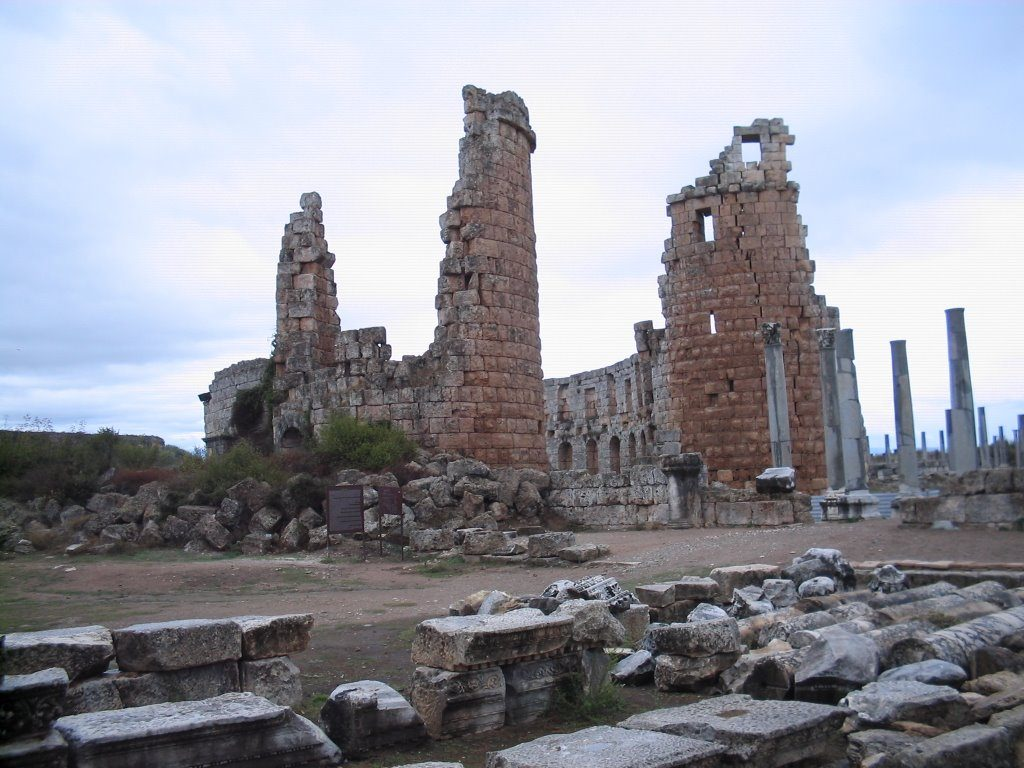 """Hititlerden Günümüze """"Perge Antik Kenti"""""""